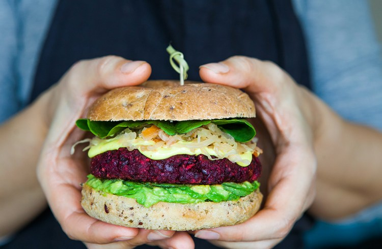 Beetroot burger with turmeric mayo and slaw vegan and gluten free beetroot burger with turmeric mayo and slaw vegan and gluten free recipe forumfinder Images