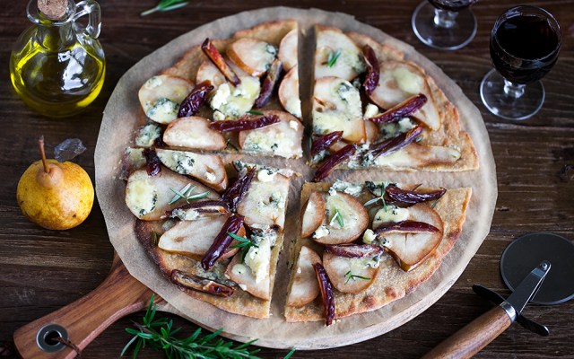 Blue Cheese, Pear and Date Pizza. Vegetarian recipe.