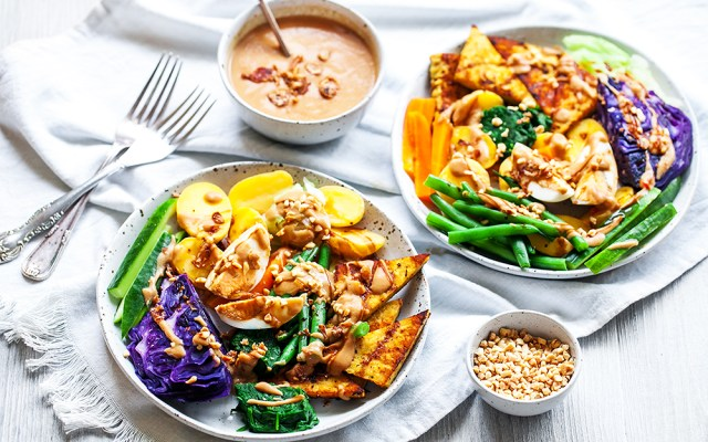 Gado-gado. Balinese Warm Salad with Peanut Sauce Dressing. GF recipe.