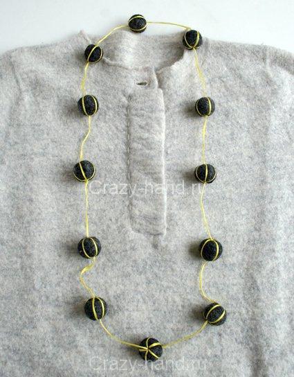 felt-ball-necklaces-1-425
