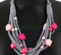 Ожерелье своими руками из трикотажной ткани и бусин