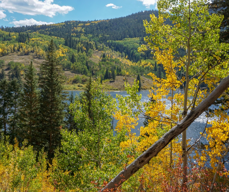 Lower Cataract Lake Trail, a Colorado hiking gem, Silverthorne, Frisco, Dillon, hiking near Kremmling CO, Colorado hikes, Beginner snowshoe Trails in Colorado,