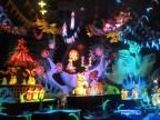 Hong-Kong-Disneyland-Its-A-Small-World-4