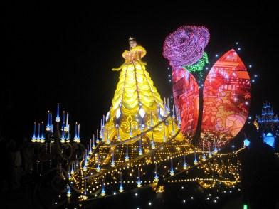 Hong-Kong-Disneyland-night-parade-8