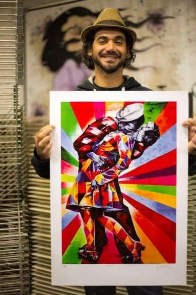 O trabalho, numerado de 01 a 100, está à venda apenas no site do artista ( http://eduardokobra.com/loja/)