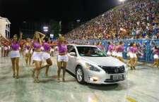 """New March 3 cilindros """"abre-alas"""" para os carros da Nissan em ensaio técnico do Salgueiro no Sambódromo do Rio."""