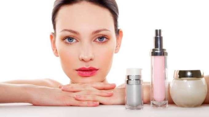 A medida alcança os cosméticos, produtos de higiene pessoal e perfumes que terão a sua regularização divulgada pelo site da Anvisa.