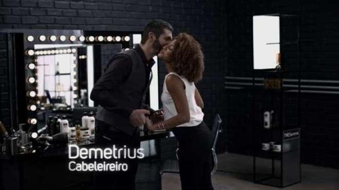 Ao lado do cabeleireiro Demetrius, a atriz participa do filme que apresenta a linha Selagem Capilar, último lançamento da marca.