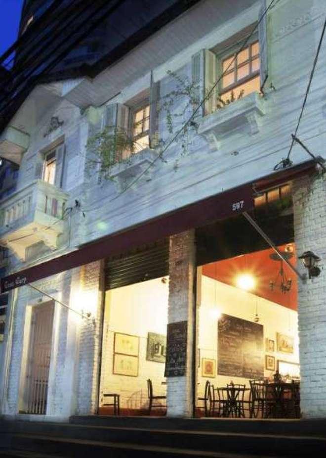 Depois de mudar de proprietários e amargar um tempo de ostracismo, a Casa Cury ressurge com muita programação no Restaurante Week e mesa farta para o público.