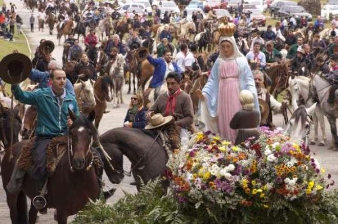Cavalgada da Fé é o primeiro evento da Romaria e Festa em Honra a Nossa Senhora de Caravaggio de 2015.