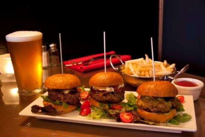 Segunda edição do ano da degustação bimestral de cervejas especiais será em 25 de junho e vai harmonizar cercejas gourmet com cinco deliciosas versões de mini-hambúrgueres.