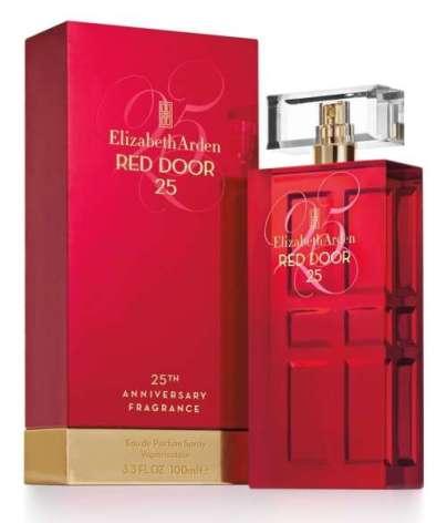 Um ícone da marca, esta edição interpreta o clássico atemporal Red Door com umanova história e um toque ousado e feminino em um buquê floral único.