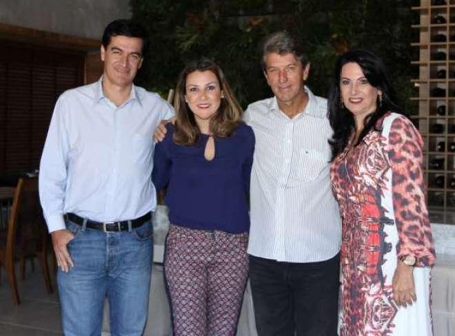 Diretoras da mostra, Renata Fraia e Renata Jancowski, com o prefeito Reinaldo Nogueira e seu pai Leonício Nogueira  Juca Ferreira.