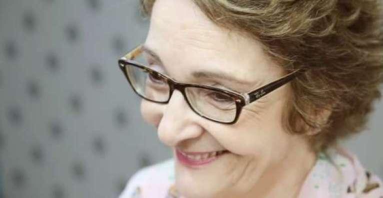 Marca de cosméticos prestigia mulheres sobreviventes ao câncer de mama.