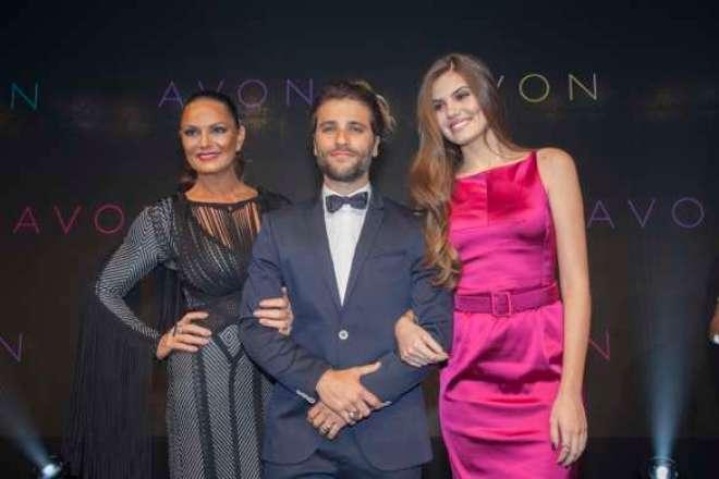 Cliente: Avon, Sao Paulo, SP - 15/09/2015 - 20 Premio Avon de Maquiagem - Premiacao. Luiza Brunet, Bruno Gagliasso e Camila Queiroz. Foto: Adri Felden/Argosfoto.