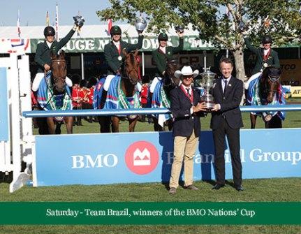 A equipe vencedora em Spruce Meadows, no Canadá.