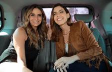 """Em mais um """"De Carona"""", Camila Coutinho entrevistou Giovanna Antonelli."""