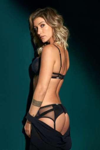 c679dae1bef7ab Gabriela Pugliesi estampa ensaio sensual na GQ de Outubro – CrazyKiwi