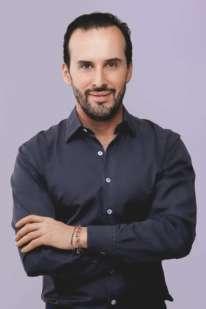 Marcos Proença, consultor de cabelos de Eudora.