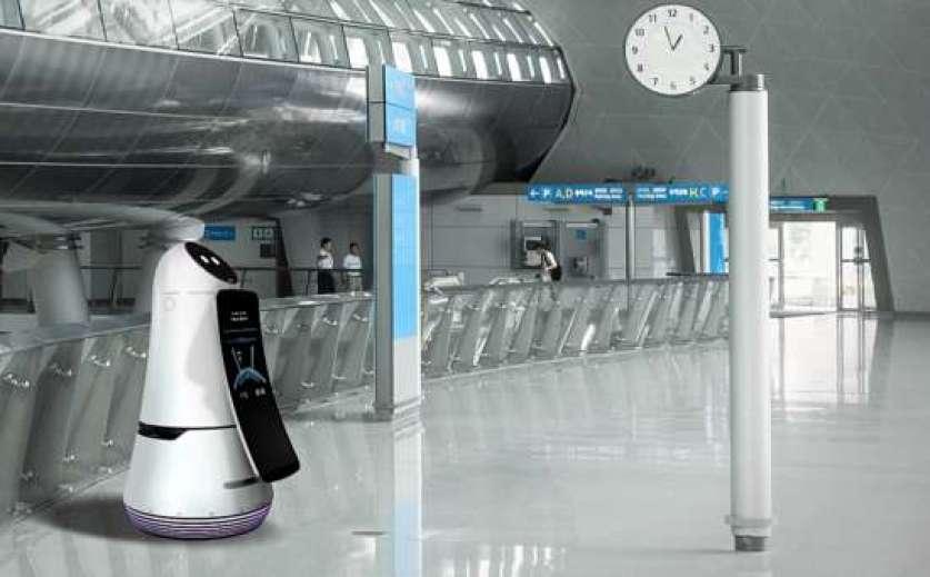 O robô aeroportuário da LG ensina como chegar a locais dentro do aeroporto.