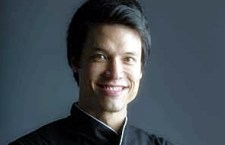 Leo Young comanda cooking show do Grupo Cosentino