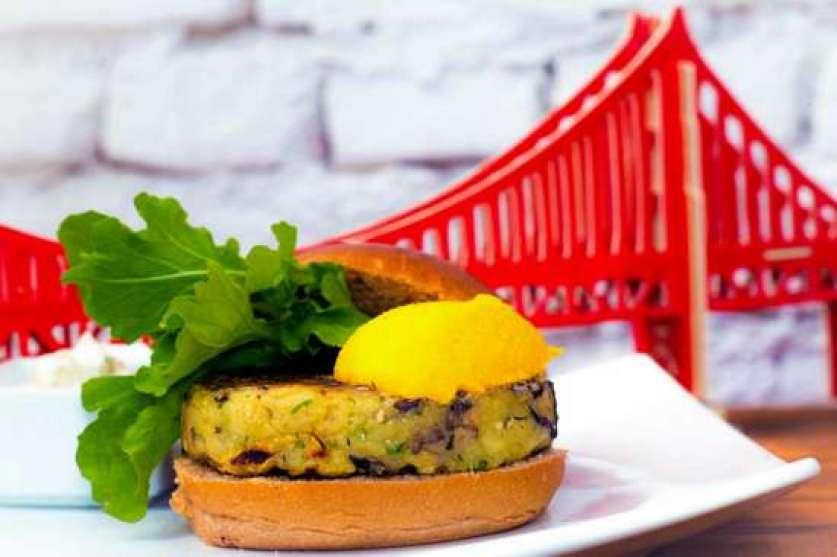 Hamburguer Vegano do Castro Burger: alta demanda entre os pedidos da casa.