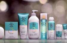 """Marca divulga fragrância inédita em campanha criada pela AlmapBBDO e ações digitais da W3haus que estimulam a consumidora a ter mais tempo para o cuidado próprio com o conceito """"Faça isso por você""""."""