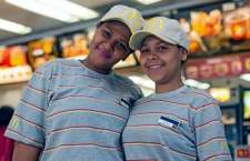 Vindas do Programa Trabalho Novo, mãe e filha trabalharão juntas em restaurante do Centro de São Paulo.