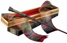 Réplica de luxo da varinha de Harry Potter é um dos itens à venda no e-commerce, vendida por R$ 429,90. Sócio OBOX tem desconto.