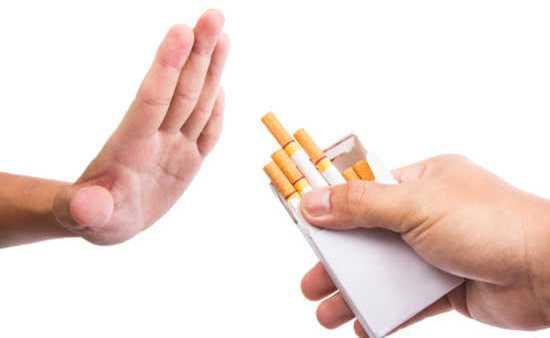 Além de gerar problemas para a saúde física, o fumante também é prejudicado em outra saúde, a financeira.