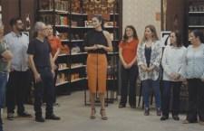 Carol Ribeiro conversa com participantes