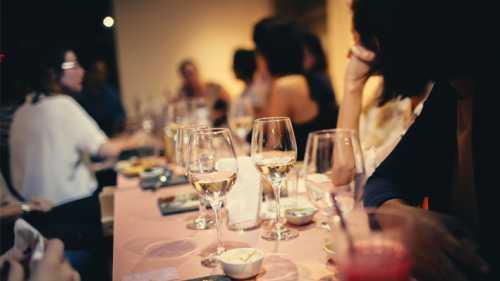 Como se comportar na festa de confraternização da empresa?