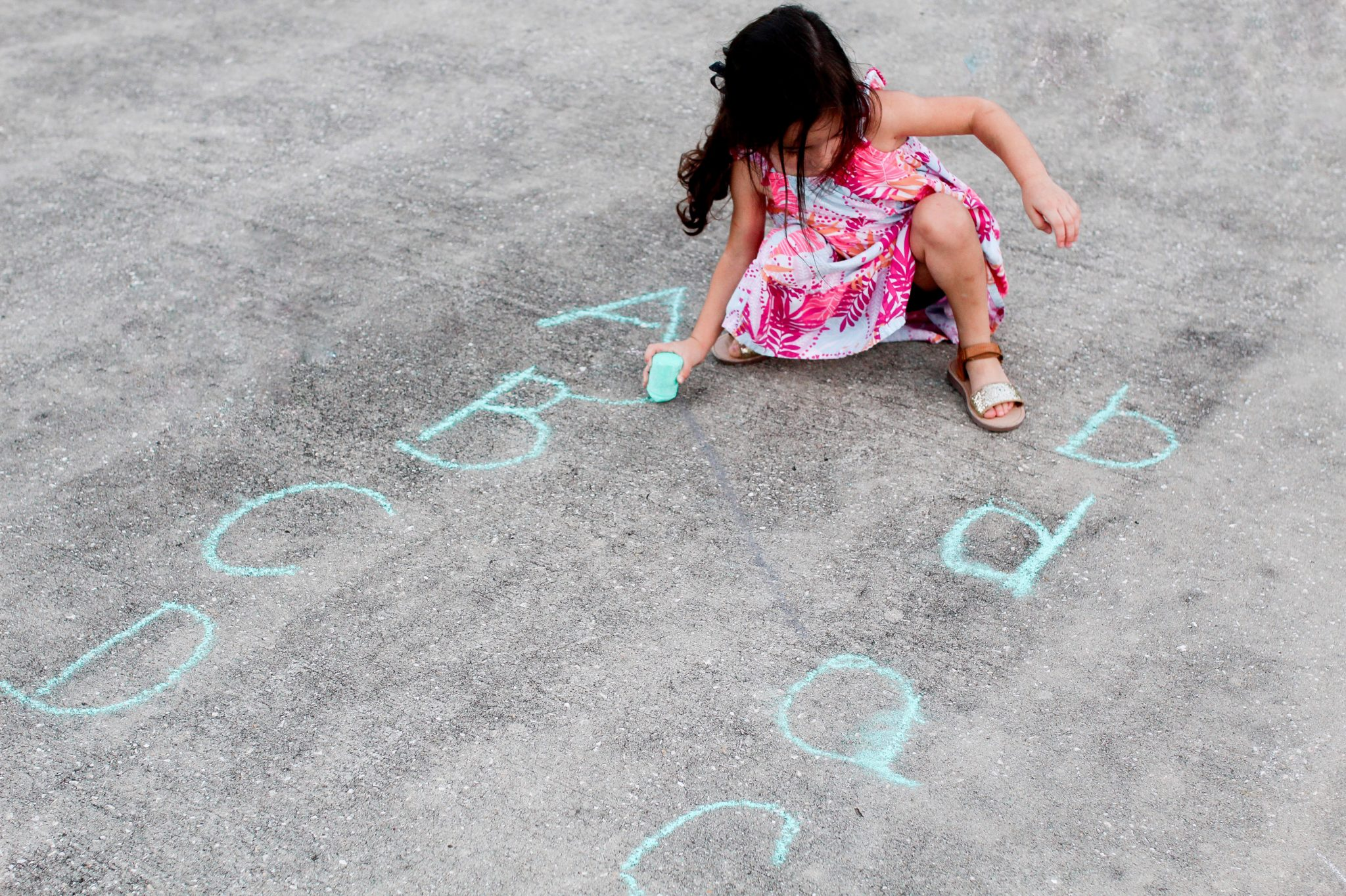 #sidewalkchalkgames #learningwithsidewalkchalk #sidewalkchalk, sidewalk chalk games for adults, easy sidewalk chalk designs, fun things to do with chalk, sidewalk and driveway games, sidewalk chalk lesson plans, chalk playground games, sidewalk chalk maze, fun things to do with chalk inside