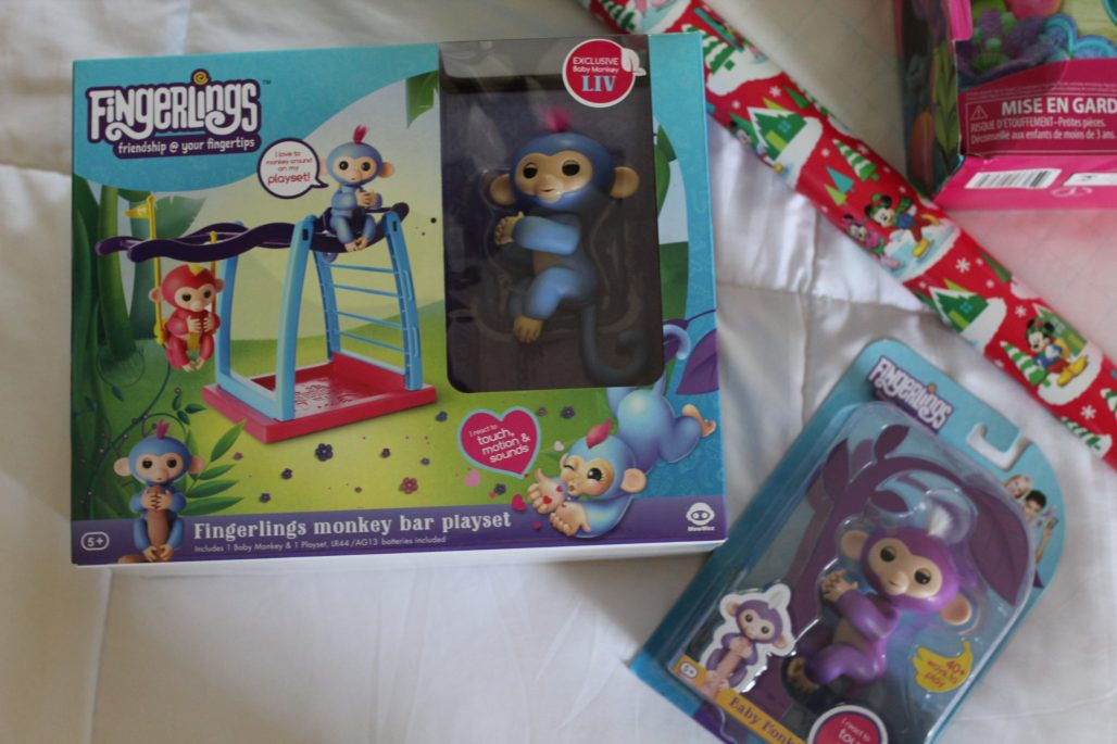 Wowwee Fingerlings and Jungle Gym