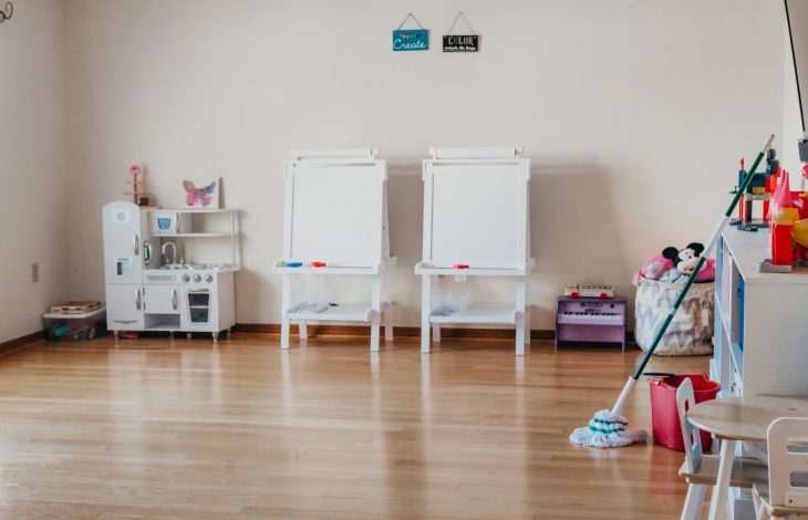 SPRING CLEANING: DECLUTTERING THE PLAYROOM