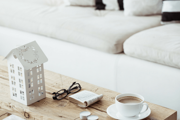 FARMHOUSE DECOR IDEAS FOR THE LIVING ROOM