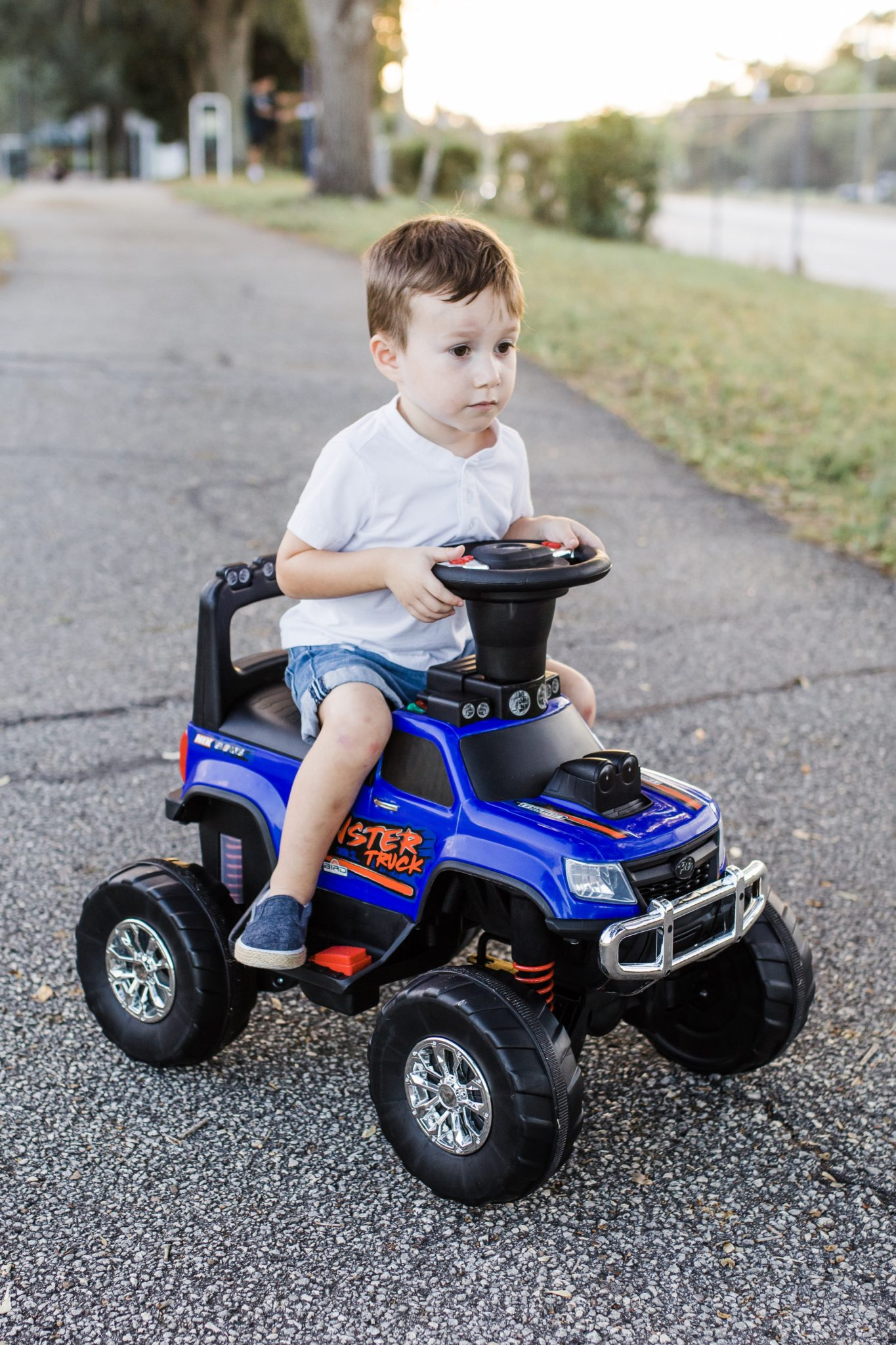 Huffy Monster RV, toys for boys 3-7, preschool kids toys, gift ideas for boys, remote controlled car, ride on toys for age 3, Tampa parenting blog mothers blog motherhood blog Florida travel blogger travel influencer healthy mom blogger spring hill florida lifestyle parenting blog best mom blog 2018