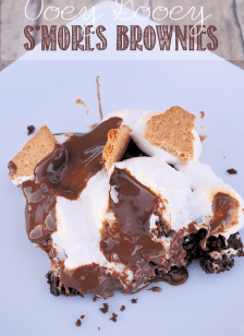 S'mores Brownies: quick and easy but sure to impress! by Crazy Little Projects