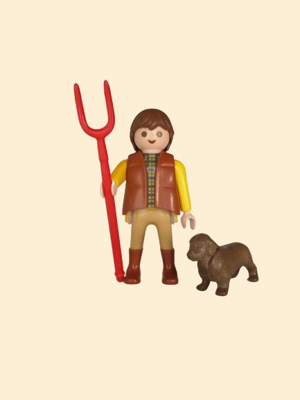 Création CRÉABIL: Fermier avec fourche accompagné de son chien