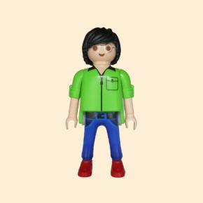 Homme à lunettes chemise verte