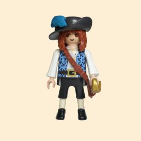 corsaire chapeau avec plume bleue