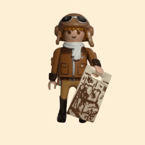 Aviateur avec carte