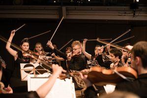 La c/o Chamber Orchestra toca en extremeño