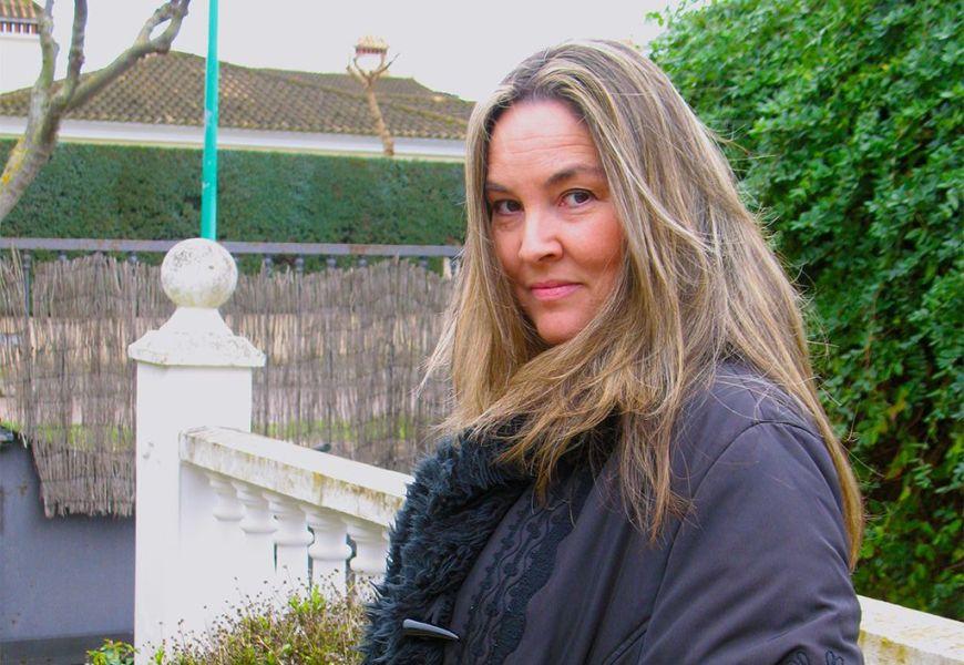 Maite Ruiz de Austri, la cineasta 'no famosa', estrena 'La bola dorada'
