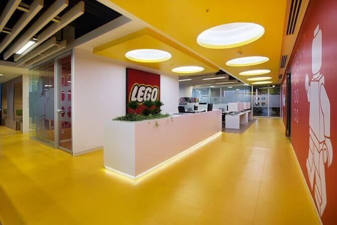 Klötzchen-Manöver im Büro | Architektur bei Stylepark