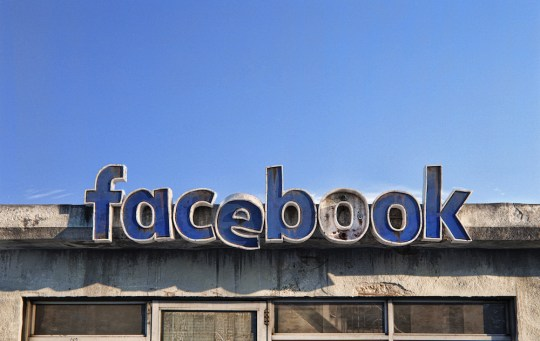 Il imagine la fin des réseaux sociaux façon motels américains abandonnés