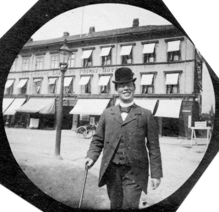 Carl Størmer a photographié en secret des gens dans la rue... en 1890