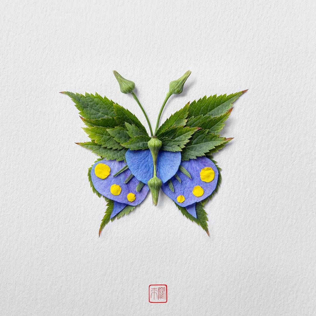 Il reproduit des insectes avec des feuilles, des pétales et autres végétaux