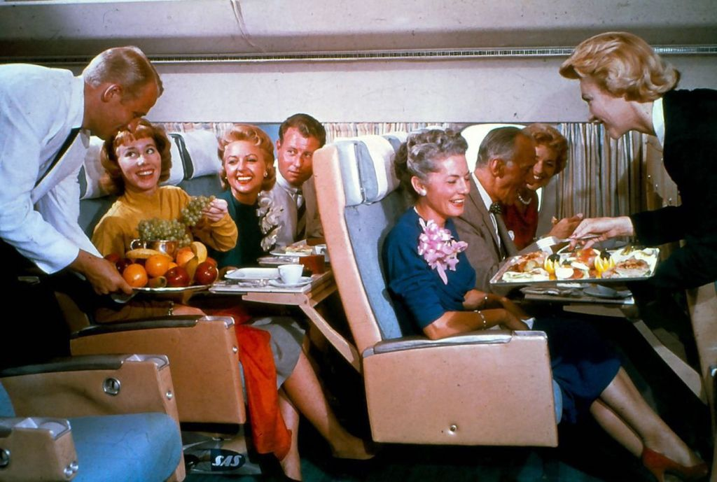 Cette compagnie aérienne scandinave montre à quoi ressemblaient les repas dans les années 1950 ! By Mélanie D. Sas-compagnie-aerienne-repas-17