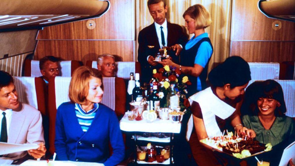Cette compagnie aérienne scandinave montre à quoi ressemblaient les repas dans les années 1950 ! By Mélanie D. Sas-compagnie-aerienne-repas-8